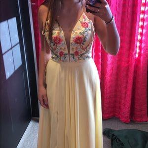 Dresses & Skirts - Yellow Prom Dress